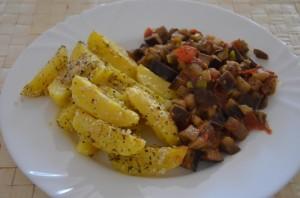 bramborove_mesicky_se_zeleninovou_salsou
