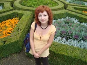Janie a květiny, co vypadají jako hlávky zelí :D